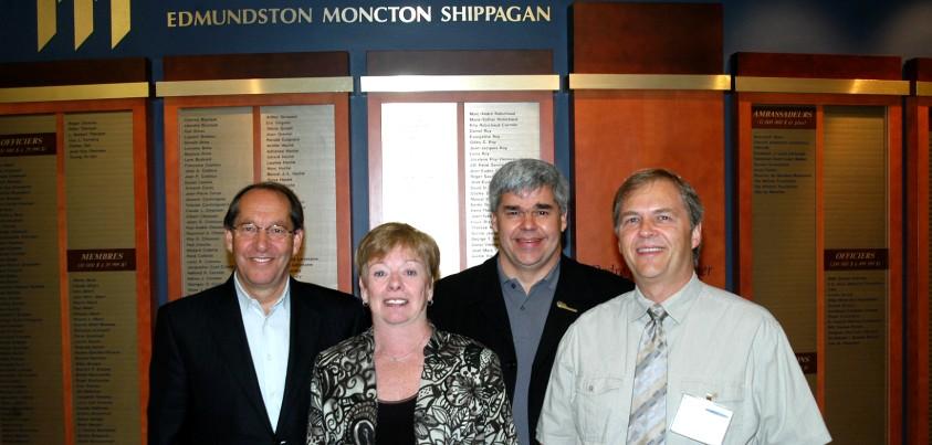 Représentants de la FPPU et de l'Université de Moncton